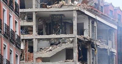 La Nación / Al menos tres fallecidos en una fuerte explosión en un edificio de Madrid
