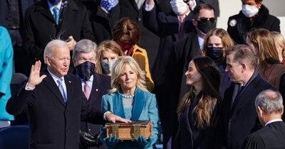 """La Nación / Biden asumió como 46° presidente de EEUU y promete """"un nuevo día"""""""