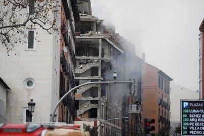 Sacerdotes paraguayos son rescatados de explosión en un edificio en Madrid