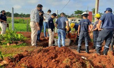Excavan pozo ciego de casa de Dahiana: Sospechan que partes blandas fueron arrojadas al sanitario y huesos a un basural