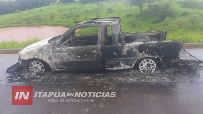 CAMIONETA SE INCENDIÓ POR COMPLETO EN NVA. AURORA