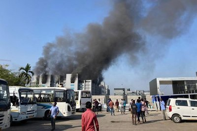 Se incendió una de las fábricas de vacunas más grandes del mundo en la India