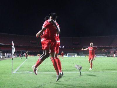 El Inter humilla al Sao Paulo con goleada y pone una mano en el título
