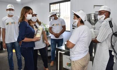 Programa Ñapu'ãke habilita tercer centro de capacitación y producción para unas 4.000 personas