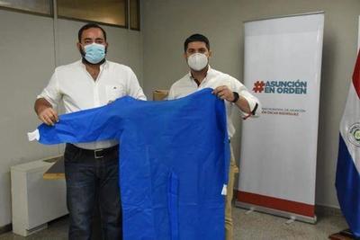 Intendente de Asunción donó batas para el Hospital de Coronel Oviedo – Prensa 5