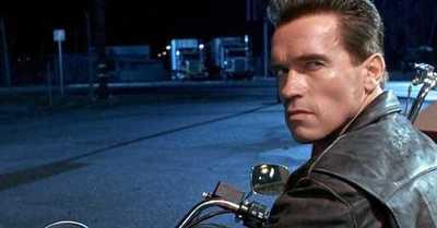 """La frase de """"Terminator"""" con la que Arnold Schwarzenegger invitó a vacunarse contra el Covid-19"""