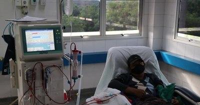 La Nación / Clínicas suma dos equipos nuevos para hemodiálisis