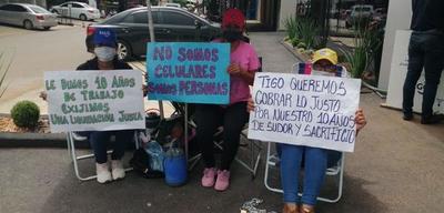 Ex funcionarios de Tigo siguen exigiendo pago de indemnización – Prensa 5
