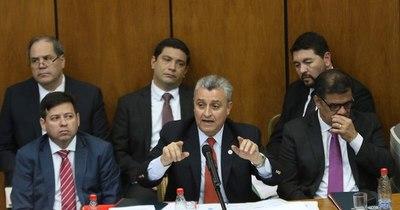 """La Nación / Diputada advierte que seguirán controlando, """"dada la falta de credibilidad y compromiso democrático"""" del Gobierno"""