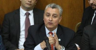 La Nación / Villamayor es figurita desgastada y debe apartarse, sostiene Alliana