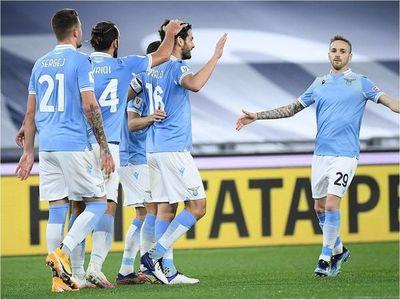Lazio, en cuartos con un autogol al minuto 90