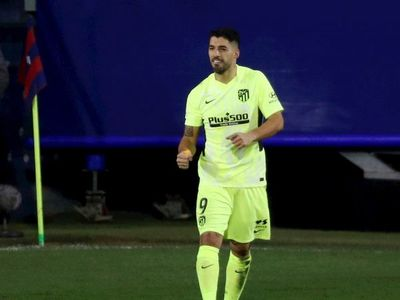 Luis Suárez apuntala al Atlético
