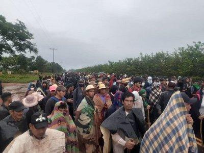 Familias campesinas se movilizan en Canindeyú por ataque armado a asentamiento