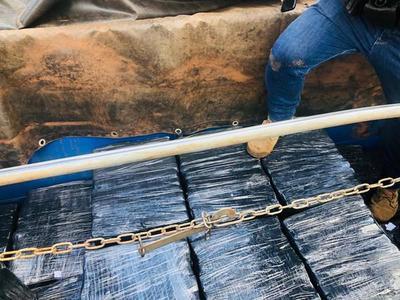 Hallan más de 1,6 toneladas de marihuana ocultas en un camión
