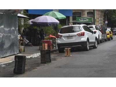 Ciudadanos se quejan de extorsión de  algunos grupos de cuidacoches