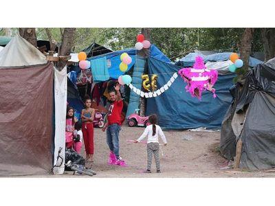 Los inmigrantes varados en México esperan  un nuevo destino con Biden