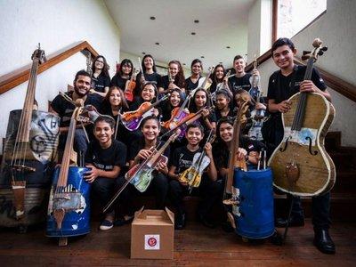 Orquesta de Reciclados  avanza entre lo virtual y la ayuda social