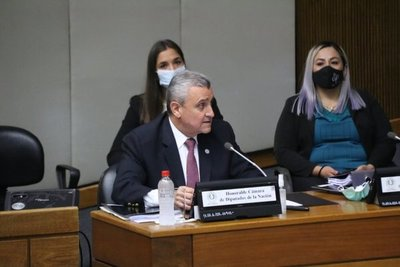 Para diputada de Patria Querida, respuestas de Villamayor no convencen · Radio Monumental 1080 AM