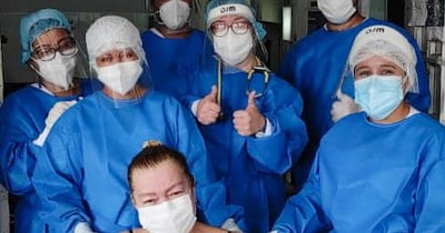 La Nación / Tres pacientes vencieron al COVID-19 y salieron de alta del hospital de Lambaré