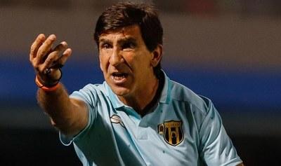 """Gustavo Costas: """"Lo único que sirve es ganar, después se olvidan si jugaste bien o mal"""""""