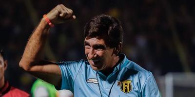 """Costas: """"Guaraní hizo un gran año, pero lo desmeritan por no haber ganado la final"""""""