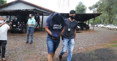 La Nación / Imputan a cinco policías por secuestro y extorsión a turistas brasileños