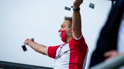 HOY / Gobierno aconseja a los aficionados celebrar los goles sin gritar