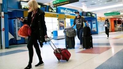 Estados Unidos impone cuarentena obligatoria a los pasajeros