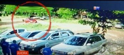 Limpiadores evitan robo de vehículo en hospital San Pablo