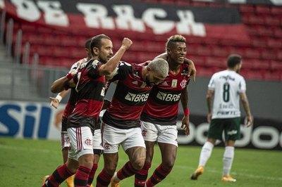 Sin Gustavo Gómez, Palmeiras cae ante Flamengo en el Brasileirão
