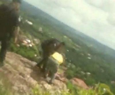Bombero y Poli salvan a yiyi que quería tirarse del Cerro yaguarón