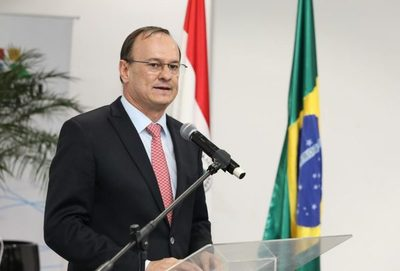 Renuncia director de Itaipú