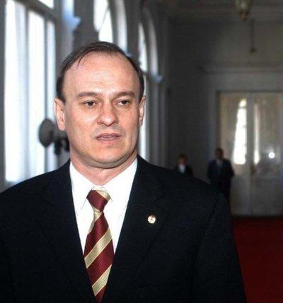 Ernst Bergen renuncia a su cargo de director de Itaipú