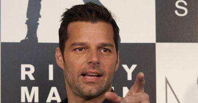 """""""Cuando estés aburrido, tíñete"""": Ricky Martin sorprendió a sus fans con un nuevo look"""