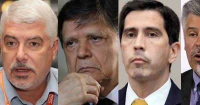 La Nación / Políticos de la semana: dos atornillados en sus puestos y tres que rotan de cargos
