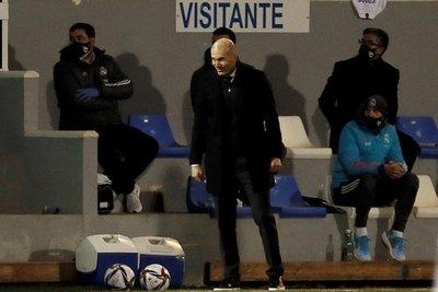 Alerta en el Real Madrid: Zinedine Zidane tiene coronavirus