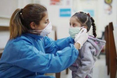 Viernes negro: 12 nuevos pacientes en UTI y dos niños muertos por covid