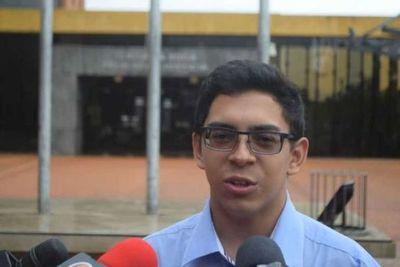 Suspenden juicio oral contra estudiante Nelson Maciel por desistimiento de la querellante