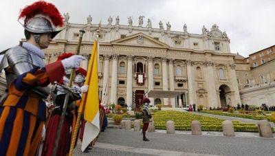 El Vaticano condena a casi nueve años de prisión al expresidente de su banco