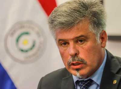 """Ministro compromete """"todo el esfuerzo"""" para combatir la corrupción en la Policía Nacional"""