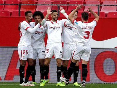 Otro triplete de En-Nesyri lleva al Sevilla a puestos 'Champions'
