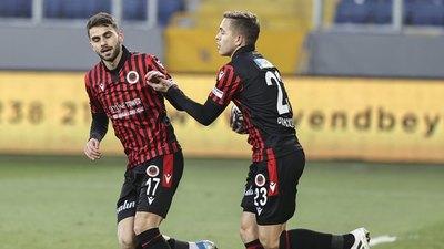 Samudio y Piris da Motta anotan en la Superliga de Turquía