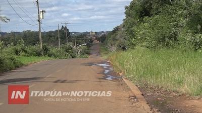 ITA PASO SIGUE ESPERANDO LA CONSTRUCCIÓN DE VEREDA EN EL ACCESO PRINCIPAL