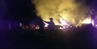 Zeballos Cue: Incendio arrasó con tres viviendas precarias