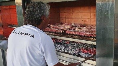 'Pipo' Gorosito, el asadero en la pretemporada de Olimpia