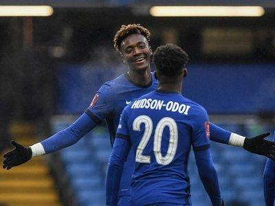 El Chelsea, con hat-trick de Abraham, derrota al Luton en Copa