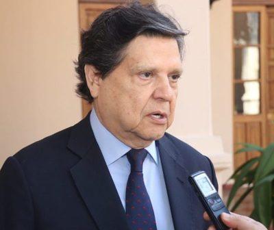 """Euclides Acevedo: """"La Cancillería va liderar la renegociación de Itaipú"""""""
