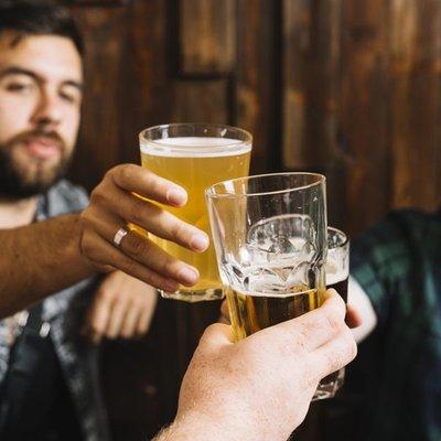Pacientes que consumen bebidas alcohólicas en exceso tienen cuadros más graves de Covid