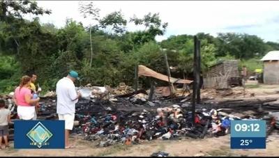 HOY / Familias del RC4 quedan sin nada tras incendio en la noche del sábado