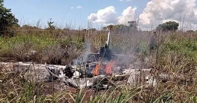 La Nación / Seis muertos, entre ellos cuatro futbolistas, al caer una avioneta en Brasil